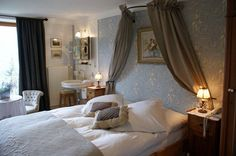 Historic double room of the Hotel Bella Tola