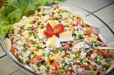 Come fare l'insalata di riso: la ricetta classica