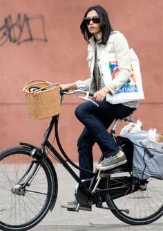 Famke Janssen Shops NYC On Two Wheels #cycling #celebrities #cyclingcelebrities