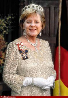 Queen Angela Merkel ich bin sicher auch das würde sie schaffen....