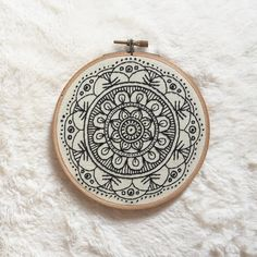 """465 Me gusta, 12 comentarios - emily tirella (@emilytirella) en Instagram: """"My favorite embroidery hoop ever!"""""""