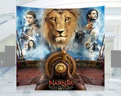 The Chronicles of Narnia: The Voyage of the Dawn Treader Spectacular Standee. Wheel actually turns.