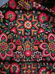 See the World Through Pattern and Colour, bordado zamorano