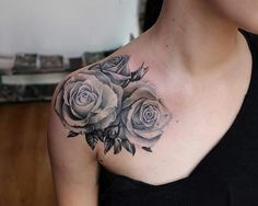 Rose tattoo Endorfine Studio Rzeszów – foot tattoos for women flowers Bff Tattoos, Trendy Tattoos, Foot Tattoos, Flower Tattoos, Body Art Tattoos, Tattoo Roses, Sleeve Tattoos, Rose Chest Tattoo, Flower Tattoo Shoulder