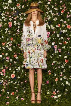 Gucci Resort 2013 Fashion Show - Karmen Pedaru