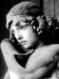 Artemis:  The angel of the tomb Oneto, Cemetery of Staglieno  Giulio Monteverde