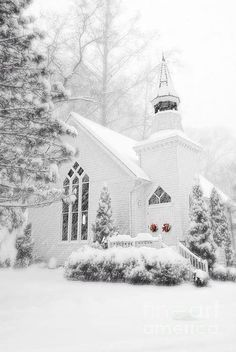 Stunning, snow covered church~this would be so pretty as a Christmas card~❥