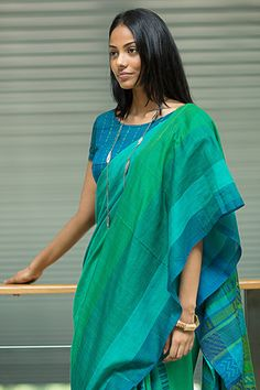 Buy sarees from srilanka because they are supposed to be great quality and incredibly beautiful! Ganga Theera - Immediate Shipping - Order Now Simple Sarees, Trendy Sarees, Stylish Sarees, Formal Saree, Casual Saree, Formal Dress, Sari Dress, The Dress, Beautiful Saree