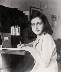 Il diario intimo è sicuramente la scrittura più praticata di questogenere letterario. Uno dei diari personali più famosi e rappresentativi è quello scritto da Anna Frank, una ragazzina olandese di…