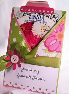 Sweet Folded Flower Gift Card Holder...with room for a packet of flower seeds. Seed Packets, Gift Cards, Card Tags, Cute Cards, Greeting Cards, Seed Bombs, Scrapbooking, Scrapbook Cards, Friend Cards