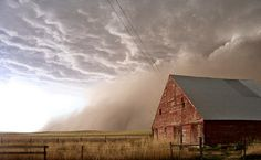 Dust Storm and Barn in Cheyenne County Kansas Country Barns, Country Life, Country Living, Country Roads, Dust Storm, Storm Clouds, Weather Underground, Farm Barn, Country Scenes