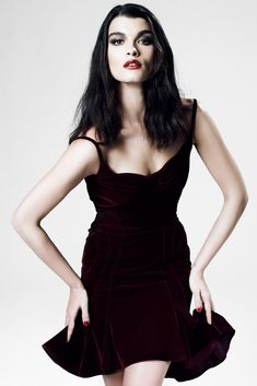 The complete ZAC Zac Posen Fall 2012 Ready-to-Wear fashion show now on Vogue Runway.