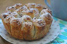 undefined Phyllo Dough, Bread Cake, Sin Gluten, Cake Cookies, Cupcakes, Cinnamon Rolls, Cake Recipes, Banana Bread, Deserts