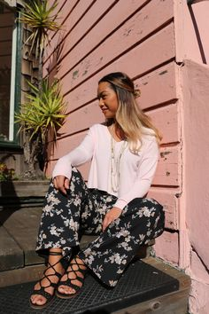 Starting the week with sunshine ☀️  #FateClothing