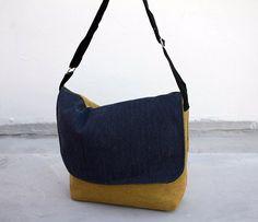 Canvas bag yellow blue – yellow blue shoulder bag in canvas – Canvas photo bag – Shoulderbag – messenger bag – Navy yellow carry bag | Sienna Bartolomei