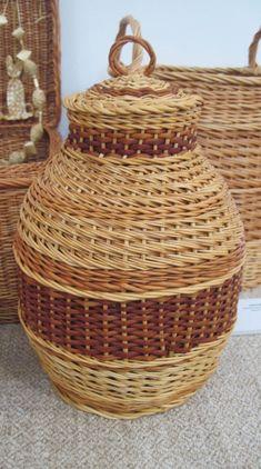 Емкость для хранения, плетенная из лозы