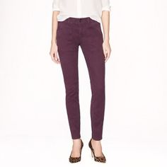 """J.Crew skinny utility chino Cotton with a hint of stretch. Sits above hip. Fitted through hip and thing with a skinny ankle length 29"""" inseam. Back pockets. Very good condition. Worn 2-3 times. No trades. All sales final. J. Crew Pants Skinny"""