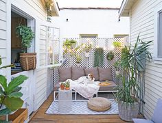Tiny-Space Living Tips From The Tiny Canal Cottage Blogger | POPSUGAR Home