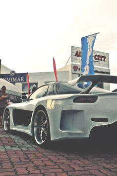 RX-7 ughhh that's one fine car!!!