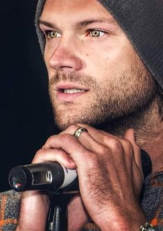 Jared's Gorgeous Eyes!! ~Laurie