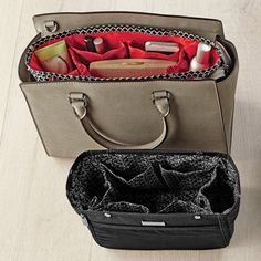 Switch handbags with ease. This handy organizer offers a variety of pockets and compartments for everyday items, and expands to maximize space in larger handbags.