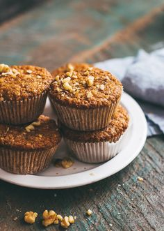 My favorite carrot muffins - they arent too sweet are super moist and have just the perfect amount of spice and crunch. Zucchini Muffins, Muffins Blueberry, Carrot Muffins, Tart Recipes, Best Dessert Recipes, Muffin Recipes, No Bake Desserts, Sweet Recipes, Breakfast Recipes