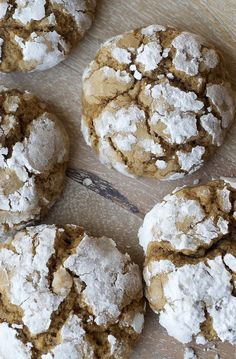 Brown Sugar Crinkles are simple cookies with big flavor. Chocolate crinkles are awesome, why wouldn't the brown sugar version be tasty? Fall Cookies, No Bake Cookies, Holiday Cookies, Chip Cookies, Lemon Cookies, Brown Butter, Brown Sugar, Cookie Recipes, Dessert Recipes