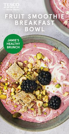 Enjoy Jamie Oliver's banana berry smoothie bowl recipe for breakfast or brunch – it's easy, delicious and healthy! See more Healthy recipes at Tesco Real Food. Fruit Smoothie Recipes, Smoothie Bowl, Healthy Smoothies, Healthy Meals, Healthy Food, Healthy Recipes, Breakfast Smoothies, Breakfast Bowls, Breakfast Ideas