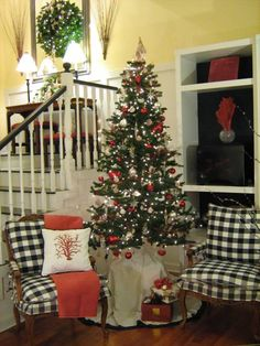 Cottage Christmas, love the chairs Cottage Christmas, Noel Christmas, Merry Little Christmas, Country Christmas, Winter Christmas, All Things Christmas, Tabletop Christmas Tree, Christmas Decorations, Xmas Trees