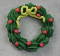 royal icing christmas wreath by Sugar Sugar Cake Decorations, via Flickr