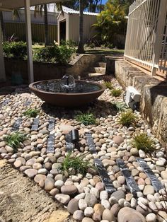 #homes #gardens #layout #decor #fountain #backyard #patios