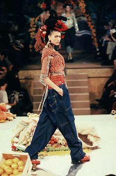 * Jean Paul Gaultier - collection hommage à Frida Kahlo P à P Printemps/Été 1998