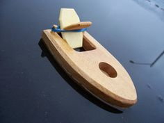 Rubber band powered Bathtub Boats just in time for Christmas. Dimensions: 3 x 5 and, Yes, they really work! Finished with child safe Tung Oil.