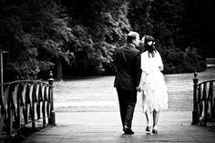 Gefühlvolle Hochzeitsreportagen.  Wir möchten keine aufgesetzten Mienen fotografieren, sondern die wahren Eigenschaften der Menschen in Bildern festhalten. Dafür schaffen wir ein echtes Wohlfühlambiente. Jeder wird im Anschluss neue Facetten an sich erkennen.  ( Hochzeit - Schloss Wolfsburg )  http://www.lehmann-eventservice.de/fotoservice/