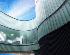 U-glass buildings soar: the Scottish Centre for regenerative medicine U Glass, Channel Glass, Glass Building, Regenerative Medicine, Glass Facades, 3d Max, Facade Architecture, Glass Design, Restaurant Design