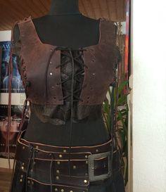 Armor Bodice Woman Leather Brustpanzer Festival Top von Elbengard