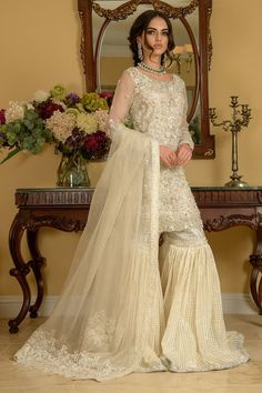 Asian Bridal Dresses, Eid Dresses, Indian Dresses, Fancy Dress Design, Bridal Dress Design, Pakistani Dress Design, Pakistani Outfits, Designer Suits Online, Designer Dresses