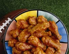 """LINDA'S CROCKPOT CHICKEN WINGS: ~ From: """"About.Com ~ Southern Food."""" ~ By: Diana RATTRAY. ~ Scroll down to see more chicken wing recipes."""