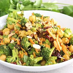 Recipes Vegan Broccoli chickpea salad with curry flavors with an amazing tahini dressing. This vegan salad packs plenty of protein and fiber for a satisfying lunch that's perfect for meal-prep — plus it takes less than 20 minutes to throw together. Chickpea Salad Recipes, Healthy Salad Recipes, Veggie Recipes, Whole Food Recipes, Vegetarian Recipes, Cooking Recipes, Quinoa Salad, Protein Salad, Recipes With Quinoa
