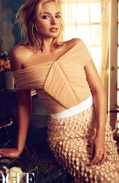 MARGOT ROBBIE POSES FOR VOGUE AUSTRALIA, DISCUSSES 'FOCUS' WITH WILL SMITH