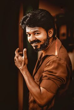 Actor Picture, Actor Photo, Wedding Couple Poses Photography, Photography Poses, Space Photography, Lucas Movie, Famous Indian Actors, Ilayathalapathy Vijay, Lawrence Photos