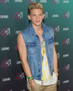 Cody Simpson: Hot or Not? http://aol.it/1amPOH9