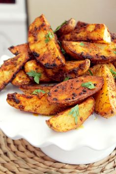 Not Quite a Vegan.: Roasted Indian Curry Fries Love this recipe! These could be plant-based if u replace oil with veggie broth then just give a quick spray of coconut oil cooking spray before baking. Indian Food Recipes, Asian Recipes, Veggie Recipes, Vegetarian Recipes, Cooking Recipes, Healthy Recipes, I Love Food, Good Food, Yummy Food