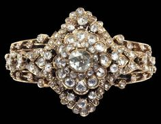 Late-Ottoman ring.  Gold and diamonds.  19th century.