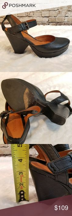 """Kenneth Cole Gentle Souls Opportunity Heels In excellent condition Kenneth Cole Gentle Souls brand """"Opportunity"""" style name 3.5"""" heel, 1"""" platform at toe Adjustable buckle closure at ankle Padded comfortable insole Leather upper and sole Almond shaped toe Size 6.5 Kenneth Cole Shoes Heels"""