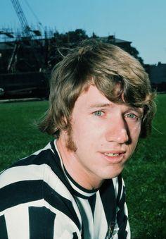 Tony Green in 1972 Newcastle, Legends, Kicks, Clock, The Unit, Green, Watch, Clocks, The Hours
