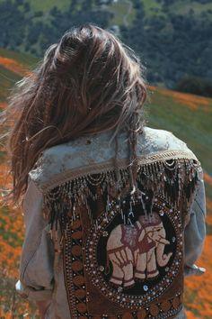 ☾ ☆☽ Introducing the long awaited Embellished Elephant Jacket! Inspired by a vintage flea market find and the majestic beauty of elephants. Punk Fashion, Denim Fashion, Boho Fashion, Fashion Photo, Lara Spencer, Jean 1, Estilo Jeans, Cool Jackets, Denim Jackets