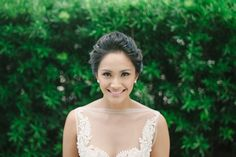 For a fresh and carefree air on your wedding day, incorporate botanical-inspired details into your look. | www.BridalBook.ph
