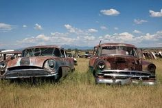 Two rusting old-fashioned cars in a junkyard Antique Cars For Sale, Old Fashioned Cars, Vintage Rolls Royce, Futuristic Cars, Car Photography, Car Ins, Rocky Mountains, Abandoned, Automobile