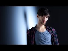 How to Use a Gridded Softbox for Portrait Photography – PictureCorrect